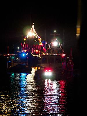 Photograph - Holiday Boat Parade by Patricia McKay