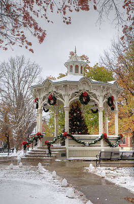 Photograph - Holiday Gazebo by Ann Bridges
