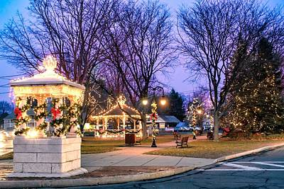 Photograph - Holiday Lights In Easthampton by Sven Kielhorn