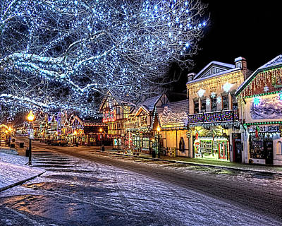 Holiday Village, Leavenworth, Wa Art Print