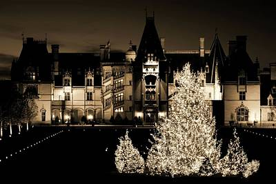 Asheville Photograph - Holidays At Biltmore House II Antique by Carol R Montoya