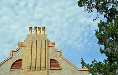 Photograph - Hollybourne Cottage Jekyll Island Skyward by Bruce Gourley