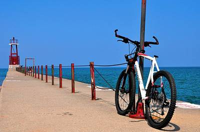 Photograph - Hollywood Beach Bicycle by Andrew Dinh