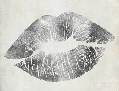 Hollywood Kiss Silver Art Print by Mindy Sommers