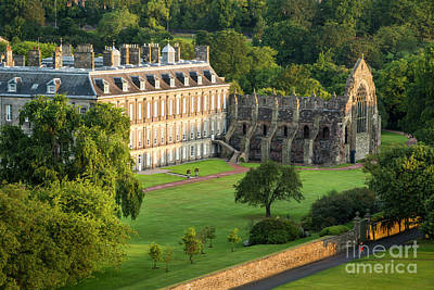 Photograph - Holyroodhouse Palace by Brian Jannsen