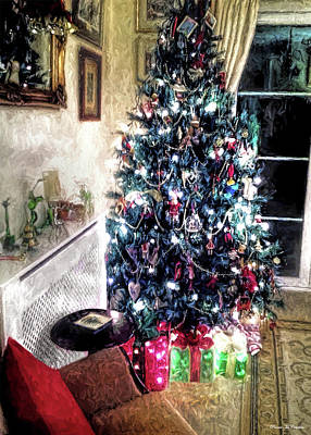 Photograph - Home For Christmas by Pennie McCracken