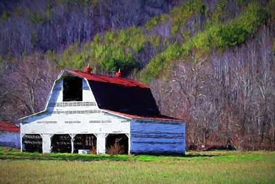 Photograph - Homer Reeves Livestock Barn by Carol Montoya