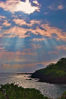 Photograph - Honaunau Sunset by Bette Phelan