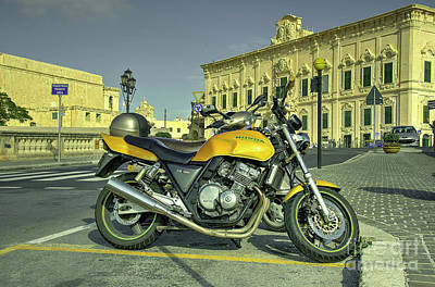 Maltese Photograph - Honda Cb400  by Rob Hawkins
