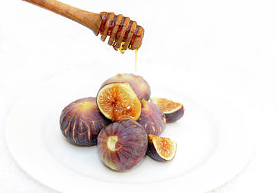 Photograph - Honey Dripping On Figs by Paul Cowan