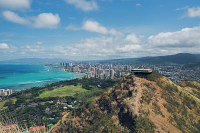 Photograph - Honolulu by Ray Devlin
