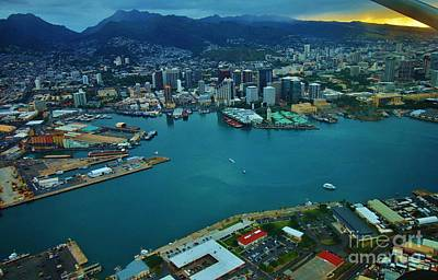 Photograph - Honolulu Waterfront At Dawn by Craig Wood