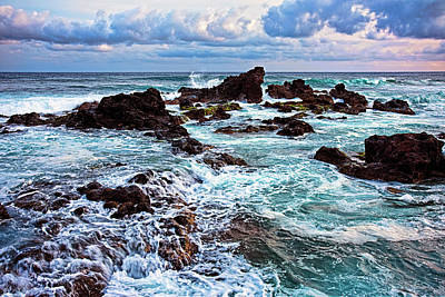 Outlook Photograph - Ho'okipa Lookout by Marcia Colelli