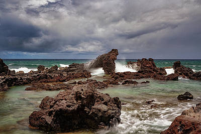 Photograph - Ho'okipa Storm Surge by Susan Rissi Tregoning