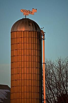 Photograph - Hoover Pumps Atop Silo by Tana Reiff