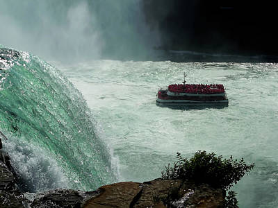 Photograph - Horn Blower Cruising Below The Falls by Leslie Montgomery