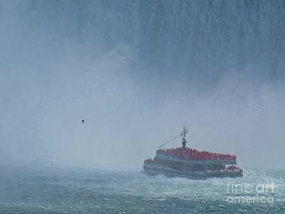 Bridal Veil Falls Painting - Hornblower In The Mist by John Malone