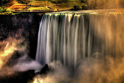 Photograph - Horseshoe Falls Early Autumn No 03 by Roger Passman