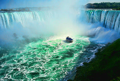 Photograph - Horseshoe Falls Niagara by Lawrence Christopher