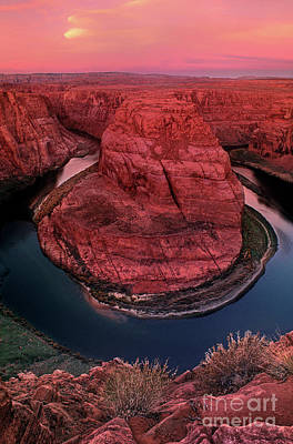 Photograph - Horshoe Bend Sunrise Glenn Canyon National Recreation Area Arizona by Dave Welling