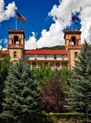 Colorado State Flag Photograph - Hotel Colorado by Mountain Dreams