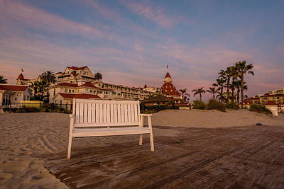 Photograph - Hotel Del Bench Sunset by Scott Cunningham