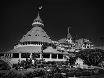 Photograph - Hotel Del Coronado 001 Bw by Lance Vaughn