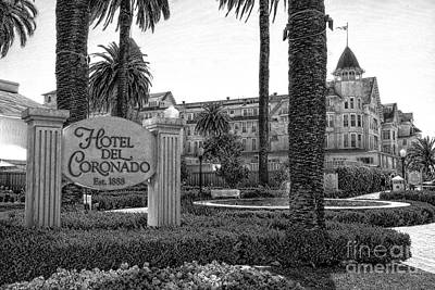 Mixed Media - Hotel Del Coronado by Bob Pardue