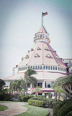 Photograph - Hotel Del Coronado by Randy J Heath
