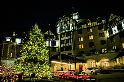 Photograph - Hotel Roanoke Christmas by Bluemoonistic Images