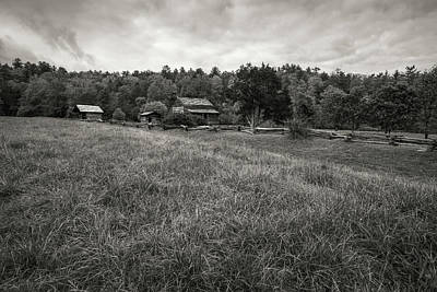 Photograph - House In Decline by Jon Glaser