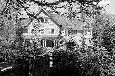 Photograph - House In Ridgefield by Polly Castor