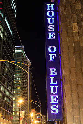 Dearborn Photograph - House Of Blues Sign In Chicago by Paul Velgos