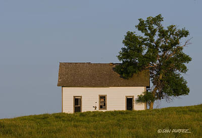 Photograph - House On The Hill by Don Durfee