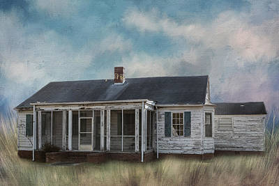 Old Home Place Photograph - House On The Hill by Kim Hojnacki