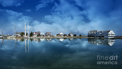 Beach House Photograph - Houses Reflecting In The Bay by Tom Gari Gallery-Three-Photography