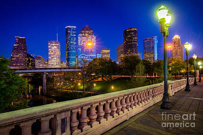 Streetlight Photograph - Houston Evening Stoll by Inge Johnsson