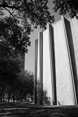 Photograph - Houston Water Wall Vignette In Black And White by Angela Rath