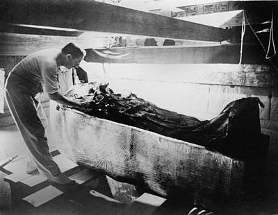 Howard Carter 1874-1939,  Turning Back Print by Everett