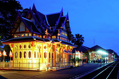 Photograph - Hua Hin Railway Station by Fabrizio Troiani