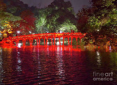 Kiem Photograph - Huc Bridge Hanoi by Chuck Kuhn