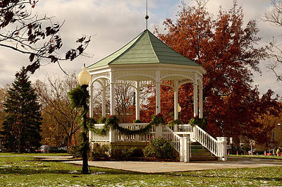Photograph - Hudson Gazebo  by Ann Bridges