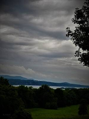 Photograph - Hudson River At Hyde Park by Rob Hans