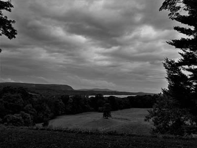Photograph - Hudson River At Hyde Park2 B W by Rob Hans