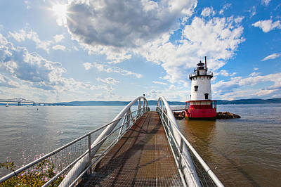 Clous Photograph - Hudson River Scenic by George Oze