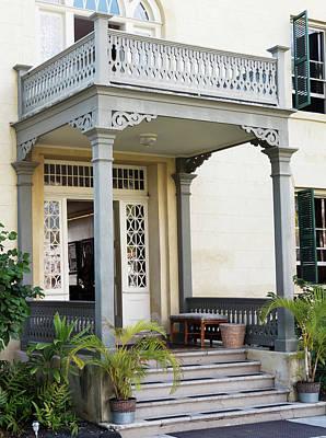 Photograph - Hulihee Palace by Joe  Palermo