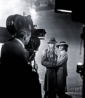 Humphrey Bogart Photograph - Humphrey Bogart And Ingrid Bergman In Casablanca. by The Titanic Project