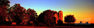 Photograph - Huntley Road Barn Sunrise  by Tom Jelen