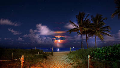 Photograph - Hurricane Moon by Mark Andrew Thomas