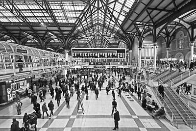 Hustle And Bustle At Liverpool Street Station Art Print by Gill Billington